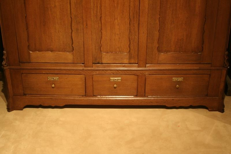kleiderschrank antiquit ten frede in m nster restaurierung antiker m bel. Black Bedroom Furniture Sets. Home Design Ideas