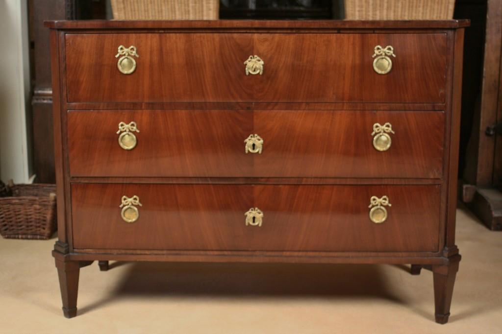 mahagoni kommode louis seize antiquit ten frede in m nster restaurierung antiker m bel. Black Bedroom Furniture Sets. Home Design Ideas