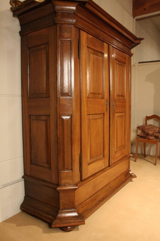 Antiquit ten tische wohnzimmer gestaltung for Designer glastische esszimmer