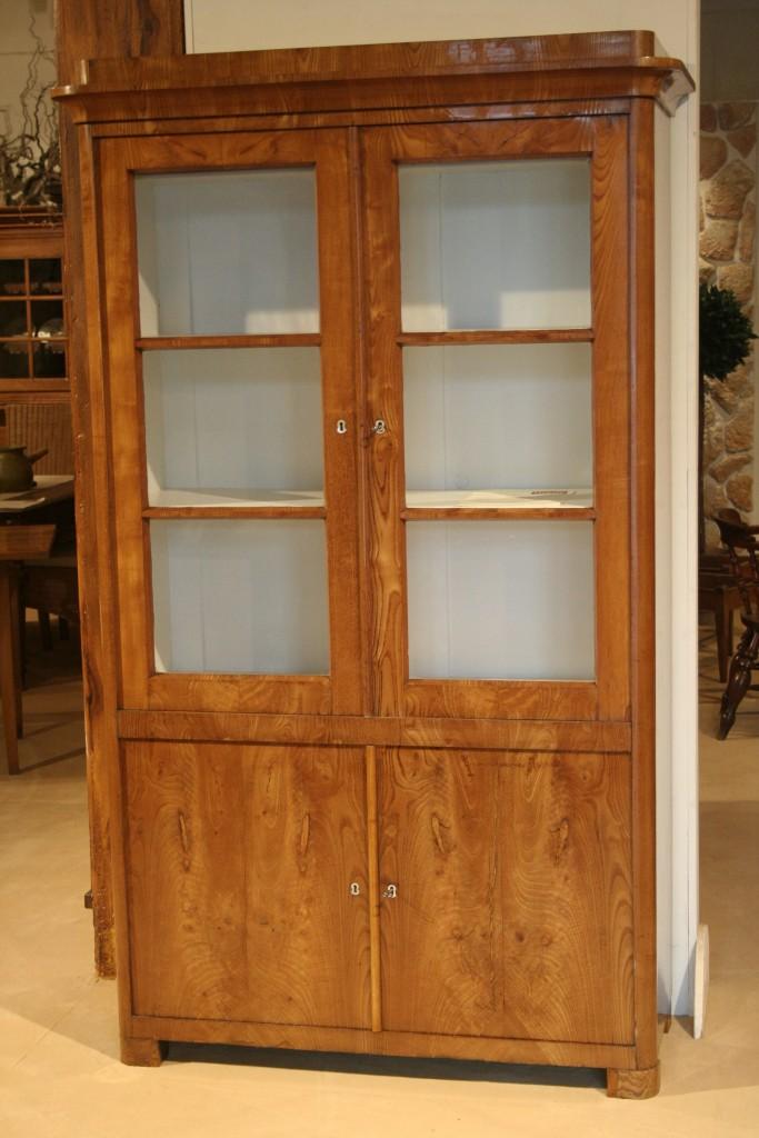 b cherschrank antiquit ten frede in m nster restaurierung antiker m bel. Black Bedroom Furniture Sets. Home Design Ideas